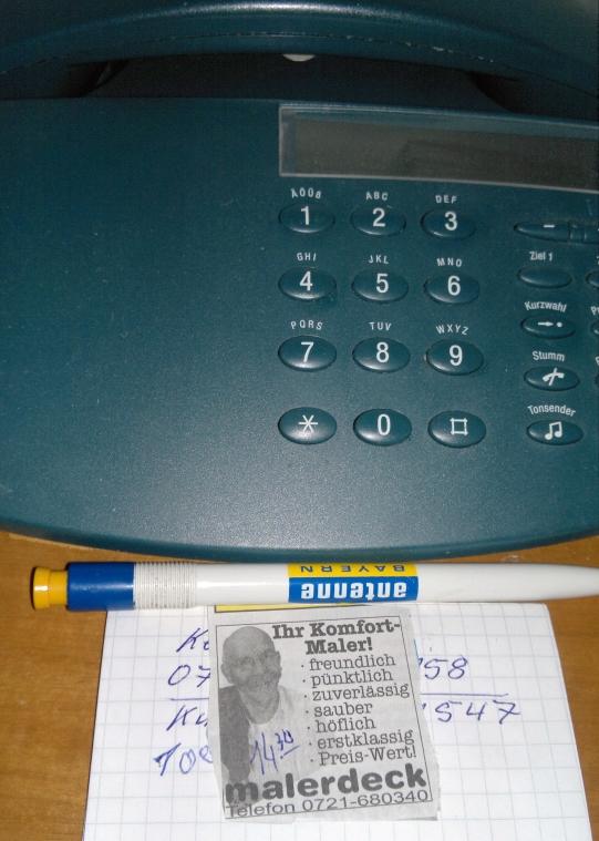 blog-werbeanzeige-mit-uhrzeit-neben-dem-telefon-01062011.jpg