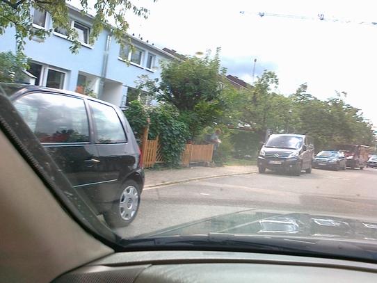 privatparkplatz-im-offentlichen-raum-2.jpg